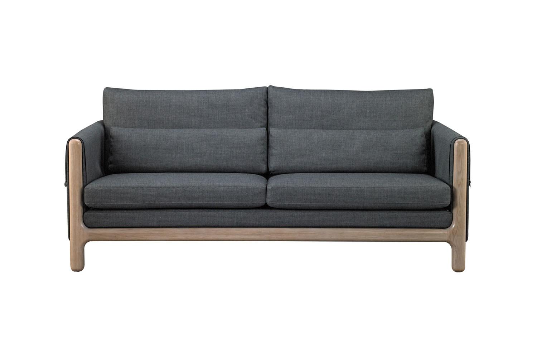 常見規格的雙人沙發;